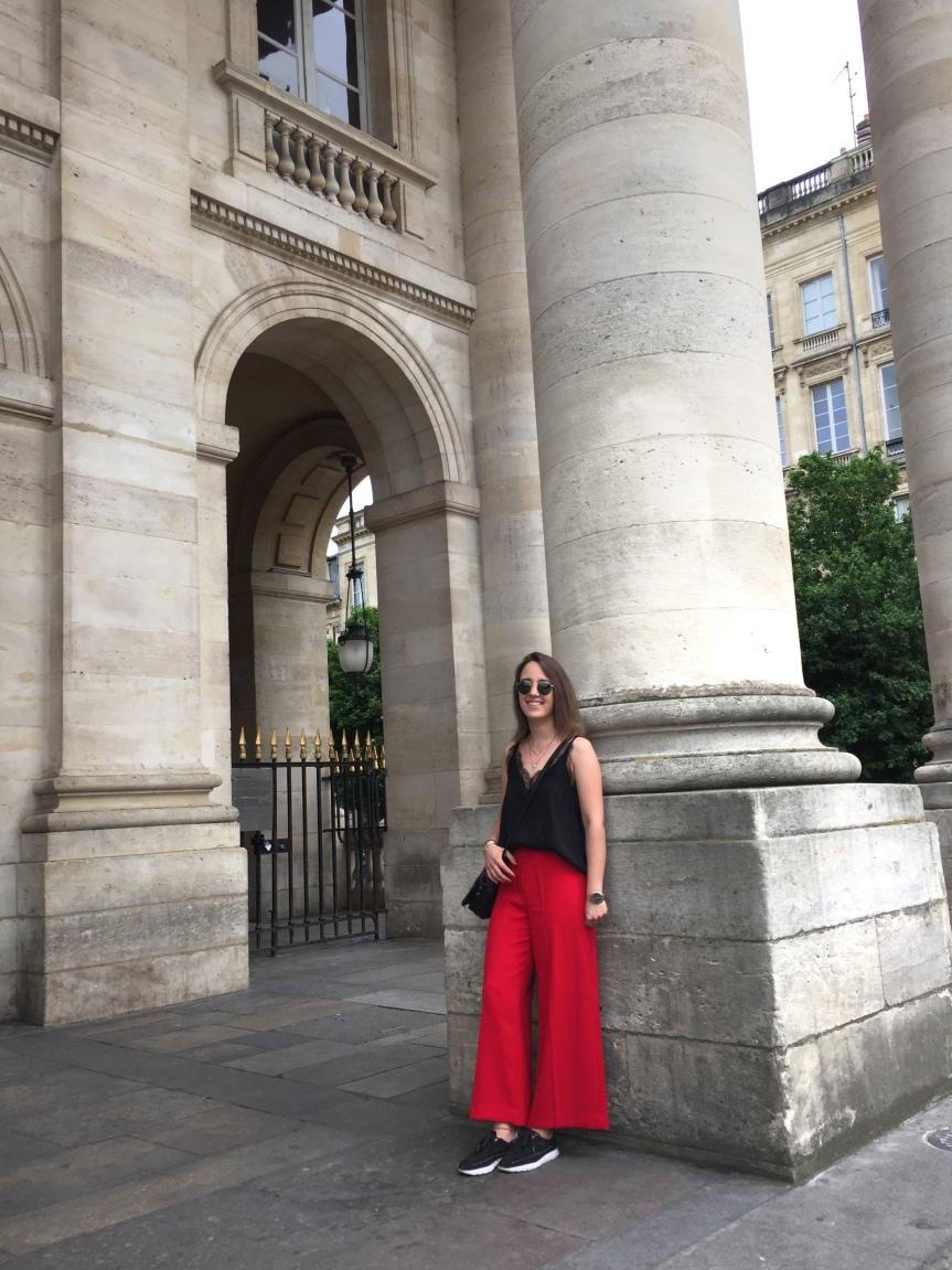 Pantalon rouge etdentelle