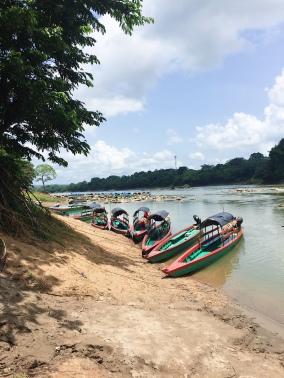 lancha pour rejoindre Yaxchilan
